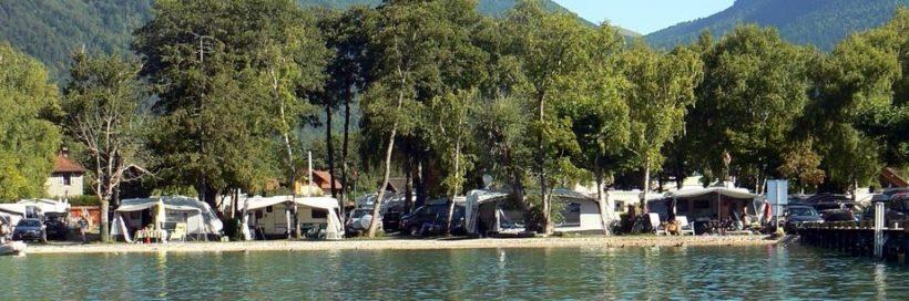 Un camping au bord du lac d'Annecy